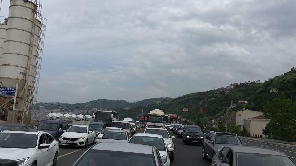 Akyazı tüneli kapandı trafik felç oldu
