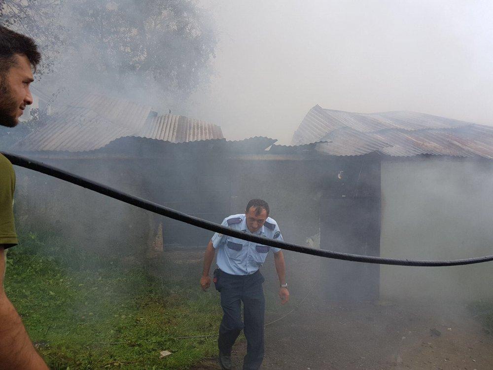 Düzköy'de yine yangın! Yine itfaiye yok!