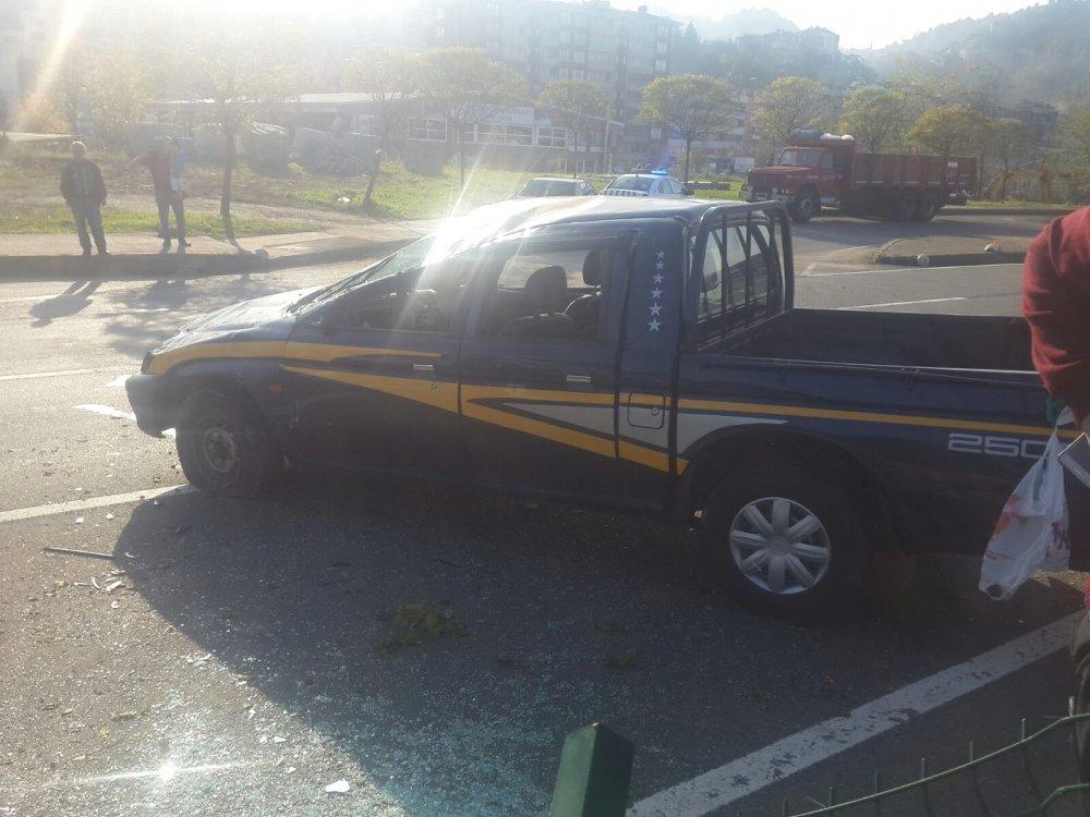 Trabzon'da araç takla attı: 2 yaralı