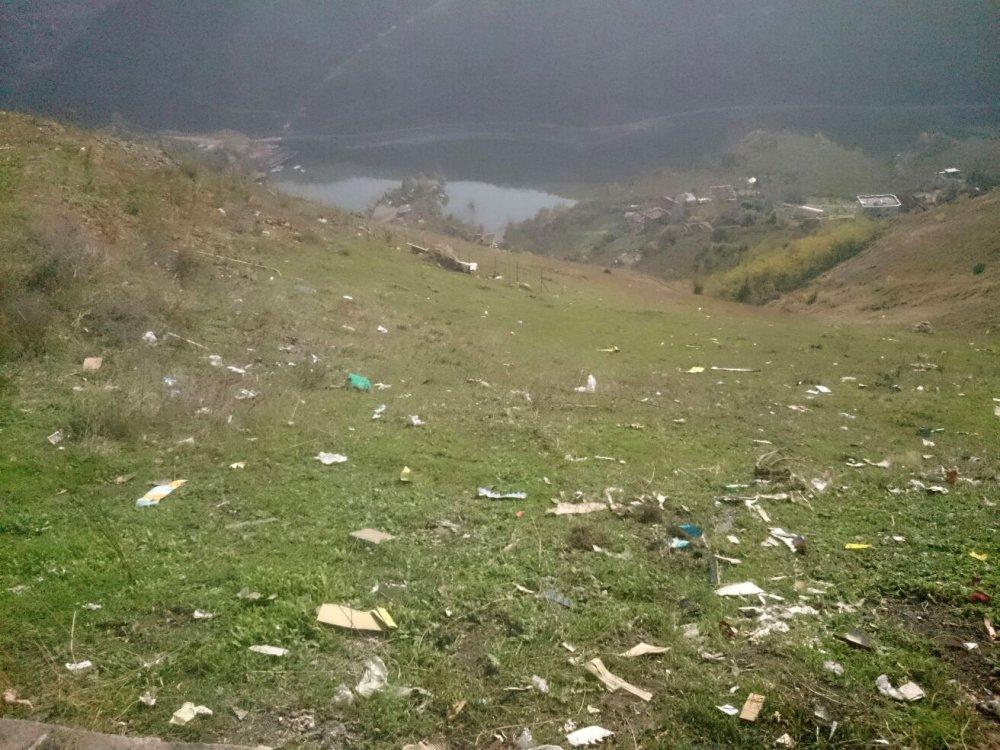 Trabzon'da göl yerine çöp manzarası