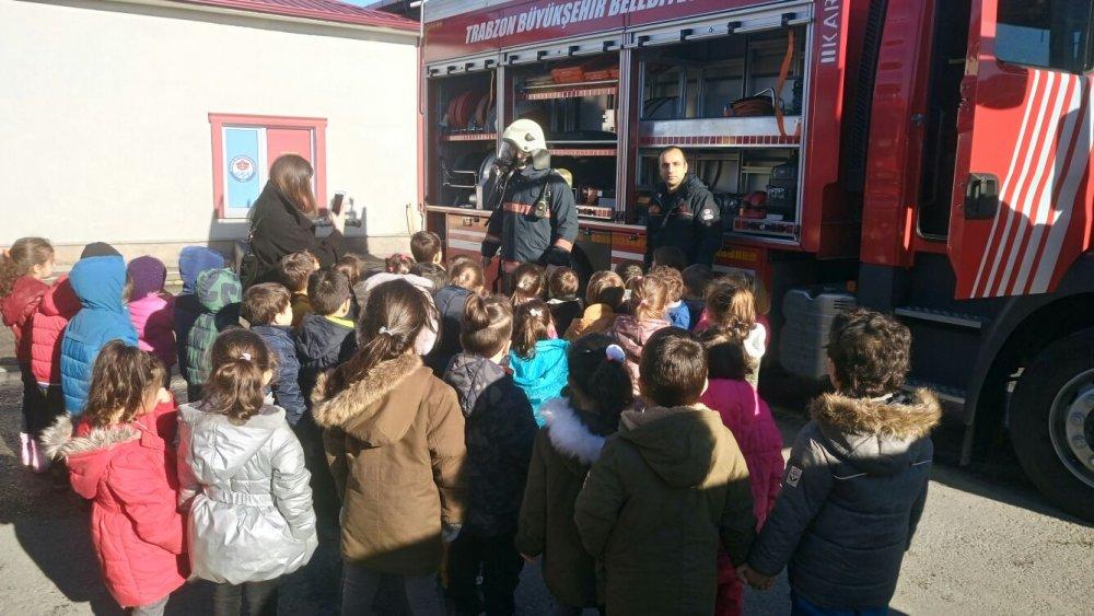 Trabzon'da minik öğrencilere yangın ve itfaiye anlatıldı