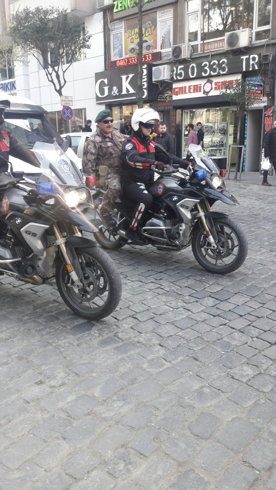 Trabzon Emniyet Müdürü kamuflajı çekti sokağa indi