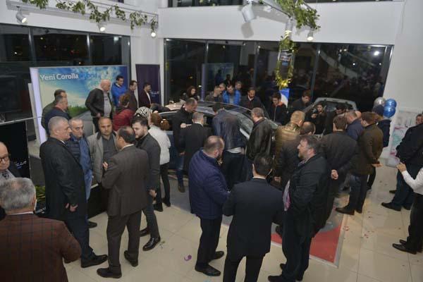 Toyota Plaza Ayyıldız'da gösterişli tören - Türkiye'de üretilen Hibrit Corolla tanıtıldı