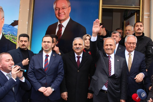"""Zorluoğlu: """"Derdim koltuk değil, hizmet"""""""