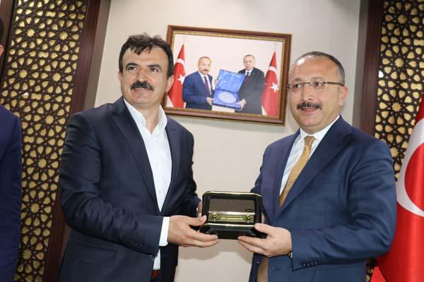 Trabzonlu Validen Siirt'e 5 Yıldızlı Spor Tesisi