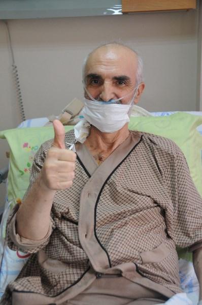 Ambulans uçakla İngiltere'den Trabzon'a getirilen kişi sağlığına kavuştu