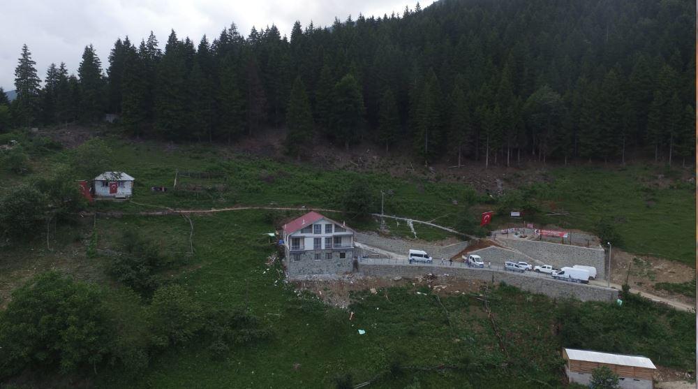 Trabzonspor taraftarı destek veriyor, yavru fırtınalar yetişiyor