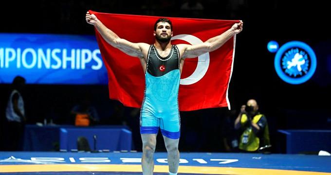 Türkiye, güreş şampiyonasında  tarih yazdı