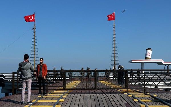 Atatürk ve 18 silah arkadaşının heykelleri bakımsız kaldı