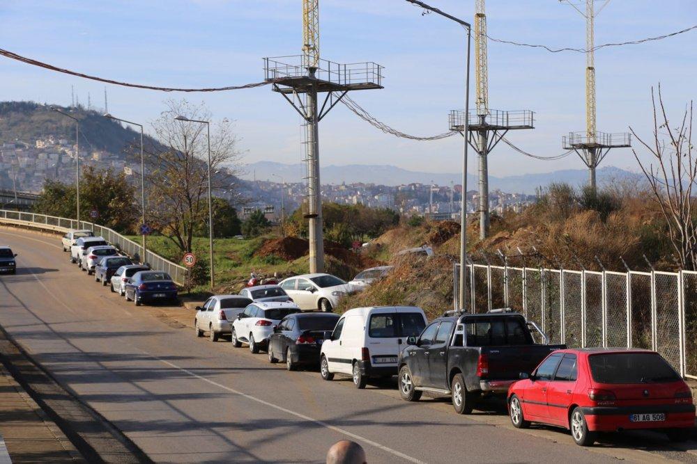 Ahmet Suat Özyazıcı Stadyumunun otopark çilesi