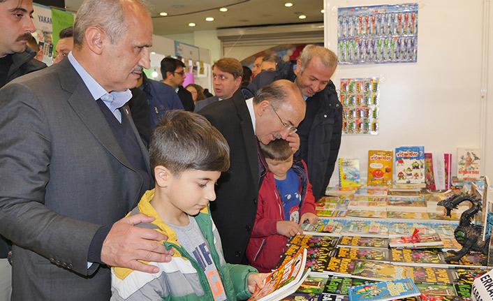 Bakan Turan Trabzon'da kitap fuarında