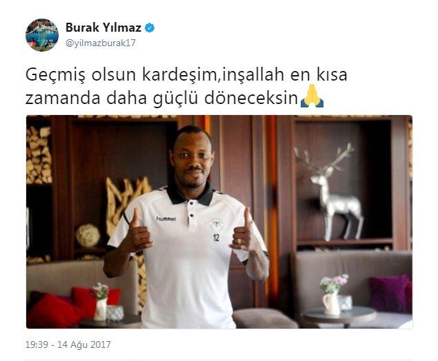 Trabzonspor'un Konyaspor'u 2-1 yendiği karşılaşmada 2 gol atarak bordo mavili takıma müthiş bir geri dönüş yapan Burak Yılmaz, karşılaşmada sakatlanan Traore'yi unutmadı.