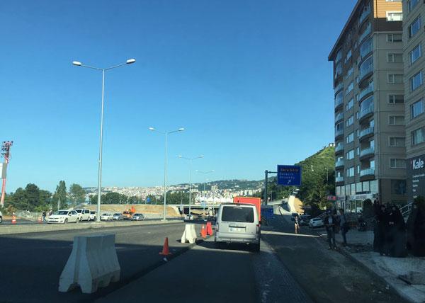 Trabzon'da trafik felç! Metrelerce kuyruk oluştu