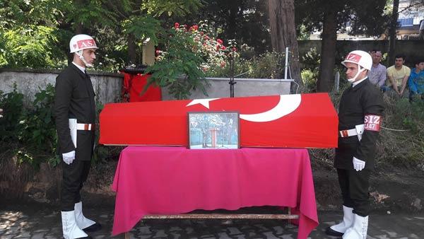 Trabzonlu şehit son yolculuğuna uğurlandı