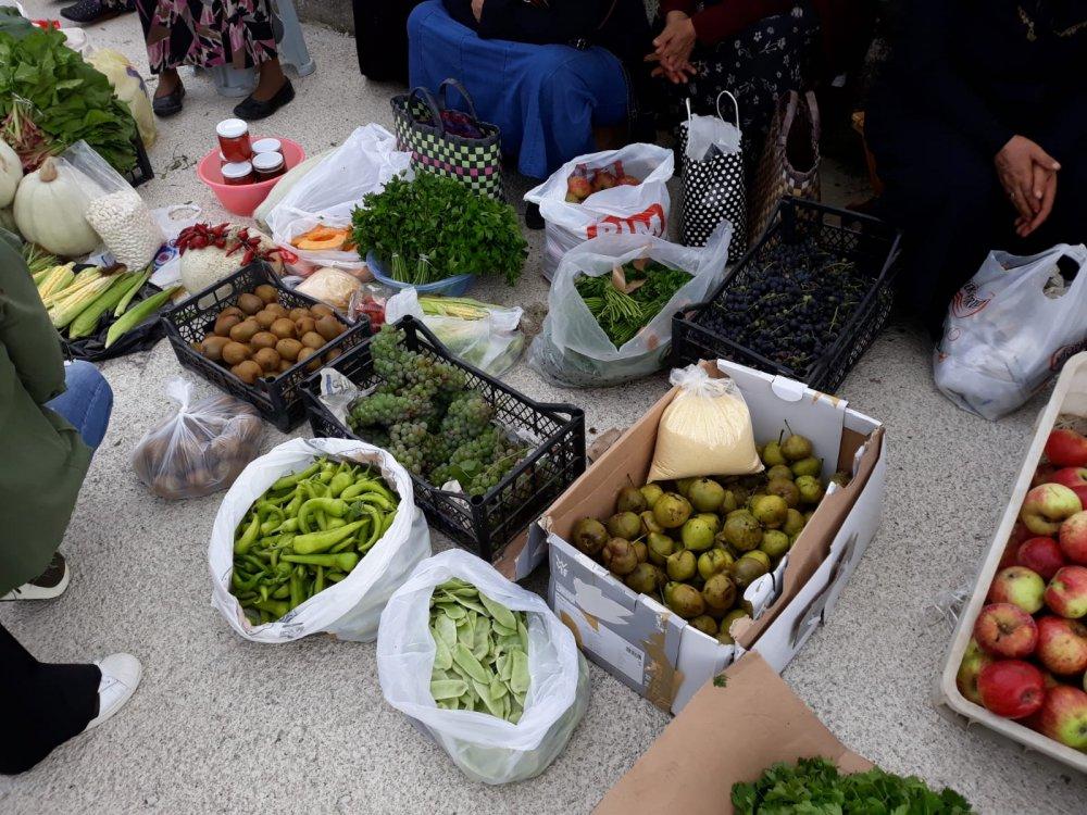Trabzon'da mahalle halkı kendi organik pazarını kurdu