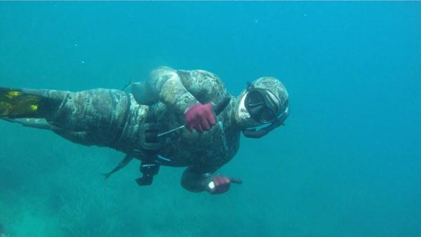 Engelli dalgıcın su altı sevdası - Rize haberleri