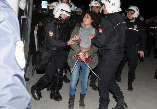 Eskişehir'de tencere-tavalı eyleme 10 gözaltı 5