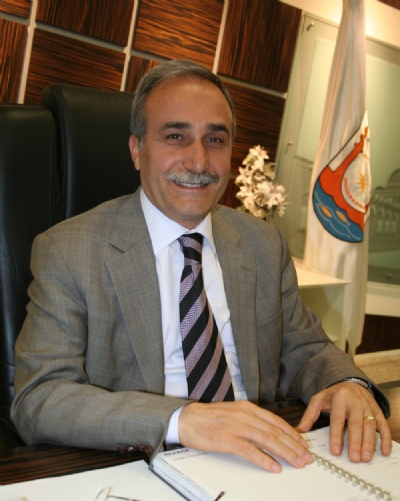 Ahmet Eşref Fakıbaba kimdir?