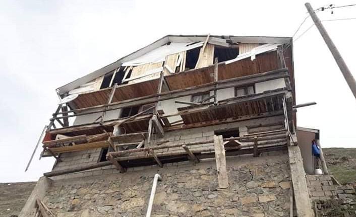 Ayı evi bastı, savaş alanına çevirdi