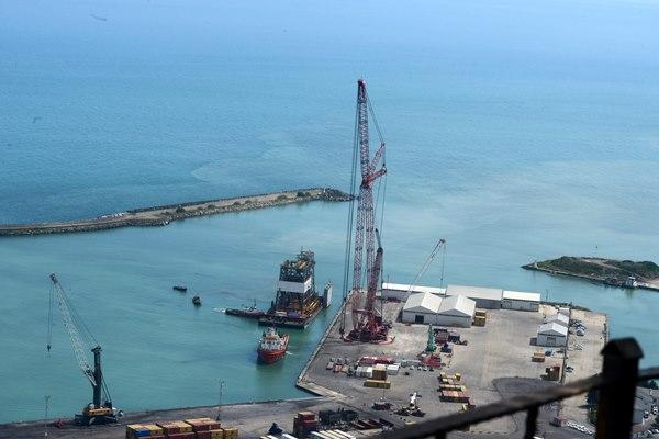 Fatih Sondaj Gemisi'nin kuleleri, Trabzon Limanı'nda