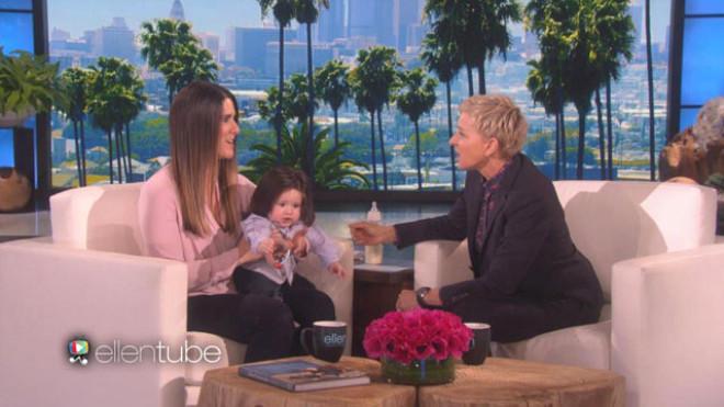 7 aylık bebeğin saçlarını gören peruk sanıyor