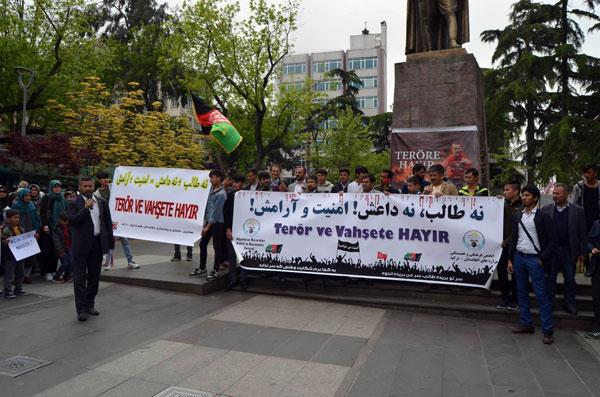 Afganlar Trabzon'da savaşa ve teröre hayır dedi