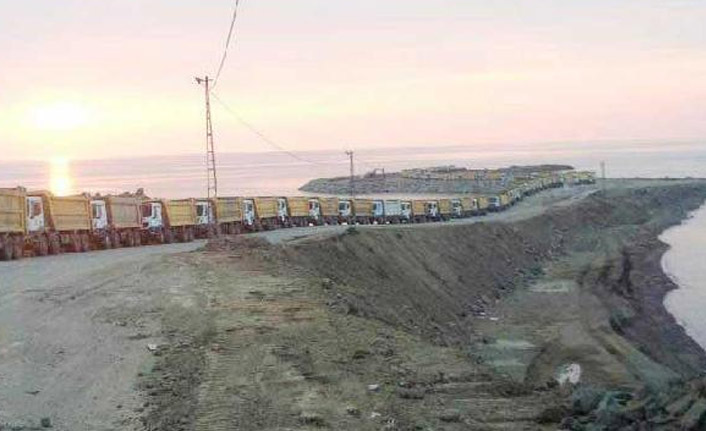 Rize'de havalimanı için denize 20,5 milyon ton taş döküldü