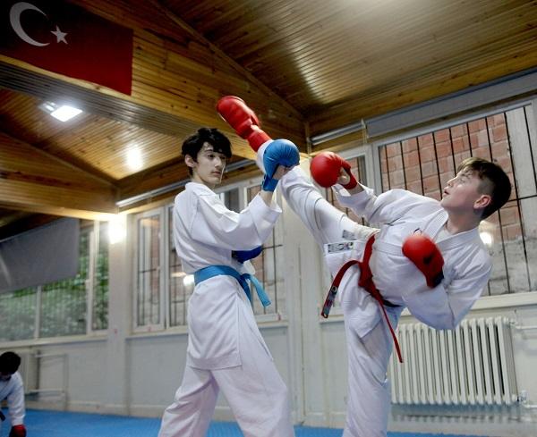 Giresun'da Genç karatecilerin büyük başarısı