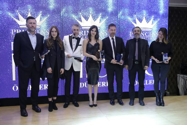 Mehmet Yiğit Alp'e ödül!