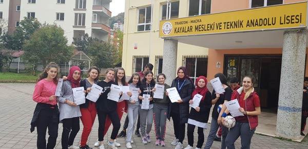Trabzon'da antrenörler okul okul geziyor