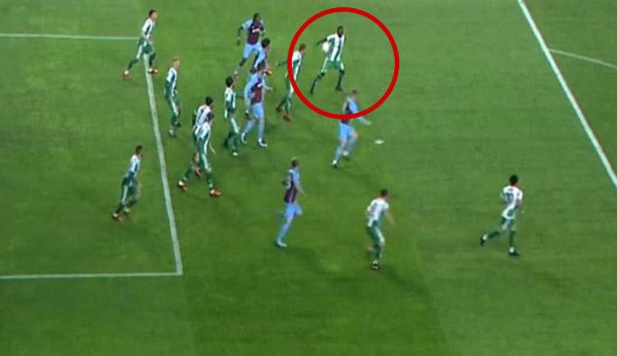 Konyaspor Trabzonspor maçında tartışma yaratan pozisyon