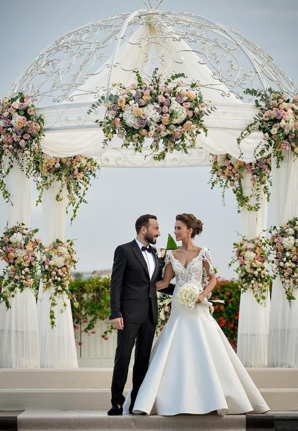 Oyuncu Bensu Soral evlendi!