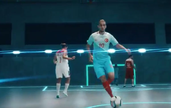 Trabzonspor'un genç yıldızı reklam yüzü oldu