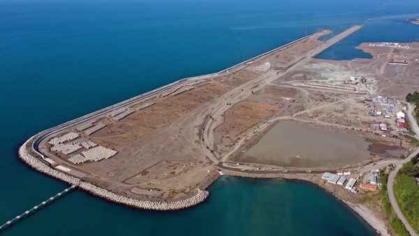 Rize-Artvin Havalimanı'nın yüzde 68'i tamamlandı