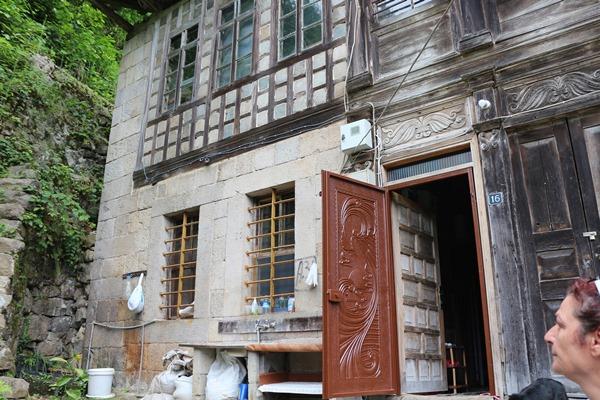 Rize'de, 183 yıllık konak paylaşılamıyor