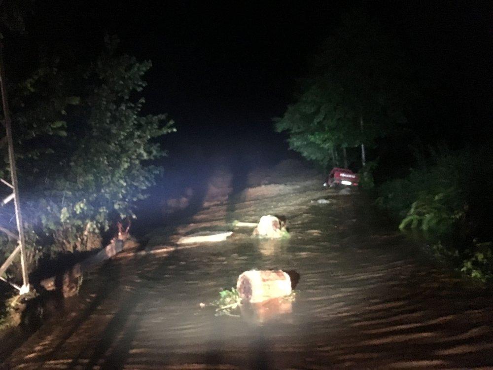 Rize'de felaket gecesi... Sel oldu insanlar mahsur kaldı
