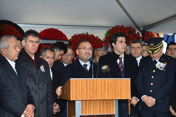 İzmir şehitleri gözyaşlarıyla son yolculuğuna uğurlandı