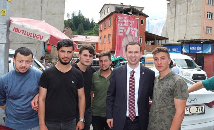 Cora: Almanya FETÖ'cülere kol kanat geriyor