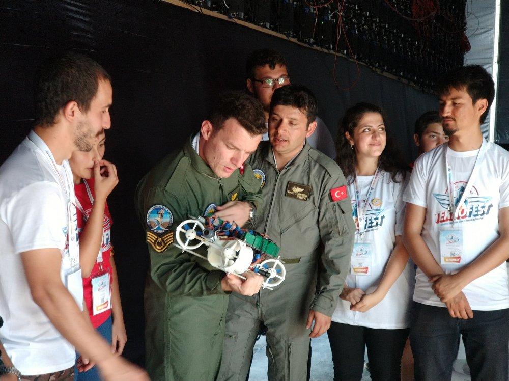 Sualtı Drone'u ile Trabzon'a birincilik getirdiler