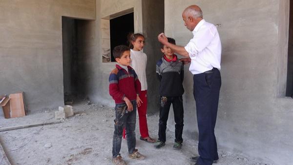 Suriyeli işçiler küçük çocuğa kazma kürekle işkence yaptı! 7