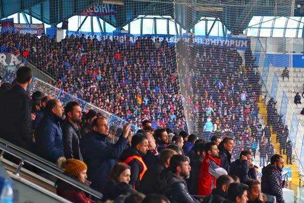 Taraftar Trabzonspor'u yalnız bırakmadı