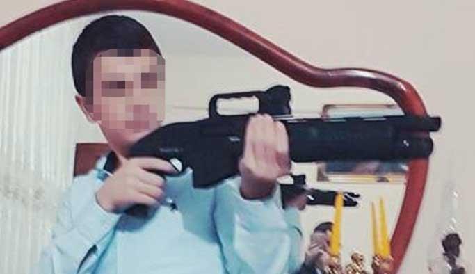 Pompalı tüfekle poz verirken arkadaşını öldürdü!