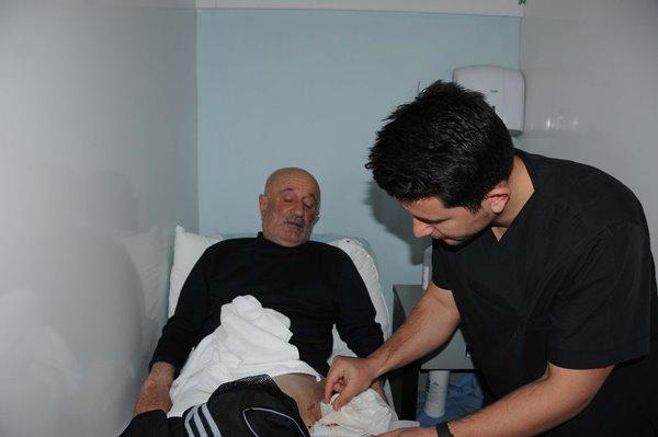Trabzonlu doktor Hakkarililerin sevgisini kazandı 3