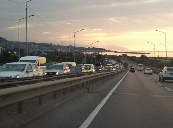 Trabzon'da trafik yine çileye dönüştü