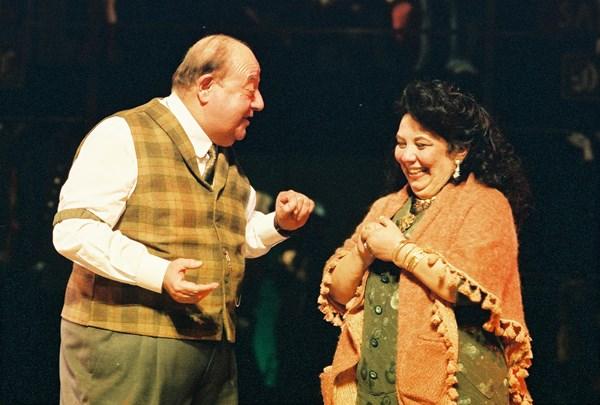 Ünlü tiyatrocu Değer İmsel hayatını kaybetti