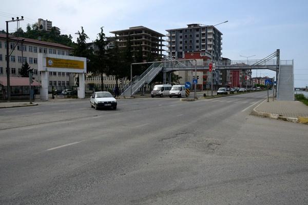 Trabzon'da hepsi bir arada üst geçit!