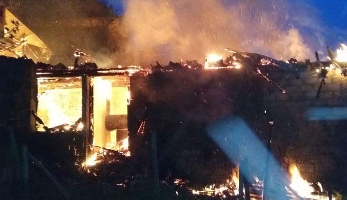 Feci olay! Yangında 3 kişi hayatını kaybetti