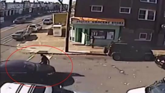Araç soygunu girişimi kamerada