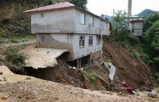 Rize'de 332 noktada sel ve heyelan meydana geldi, 56 ev boşaltıldı