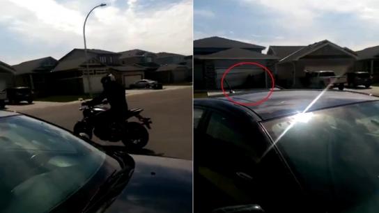 Yeni motosikletini denerken garaja daldı